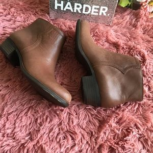 Lucky Brand Size 8 Balexa Leather Ankle Boots